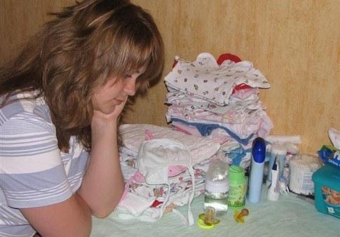 Послеродовую депрессию провоцируют грубость и насилие в семье