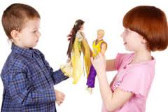 Мальчик с куклой – будущий гей?