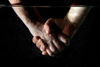Почему медики так часто моют руки