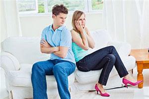 Девушки берут на себя мужской стресс