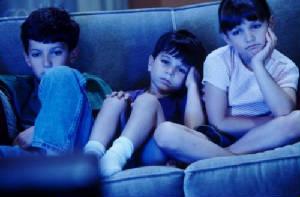 Просмотр телевизора провоцирует возникновение депрессивного состояния