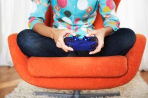 Видео игры помогут девушкам справиться с депрессией