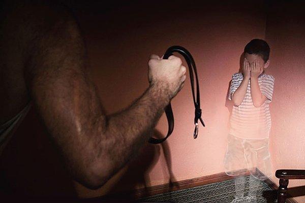 Порка увеличивает риск развития психических расстройств