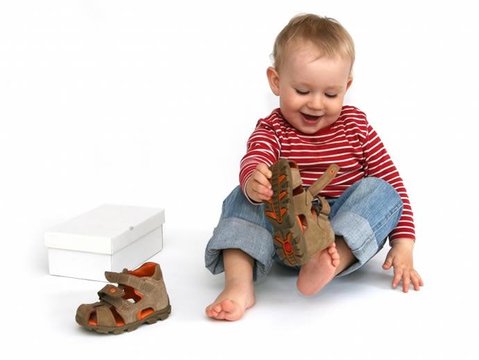 Как выбрать обувь для малыша?