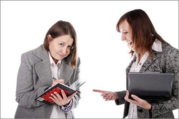 К кому чаще приходит карьерный успех — к экстравертам или интровертам?