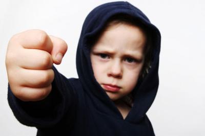 Почему дети иногда бывают жестокими