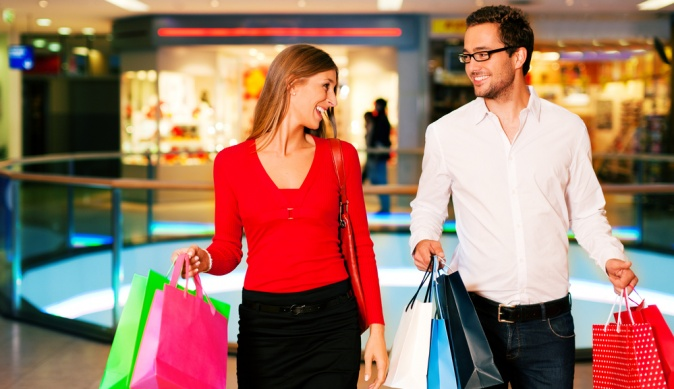 Шопинг с мужчиной: как приучить делать покупки вместе