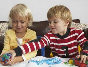 Если ребёнок боится врачей: советы родителям