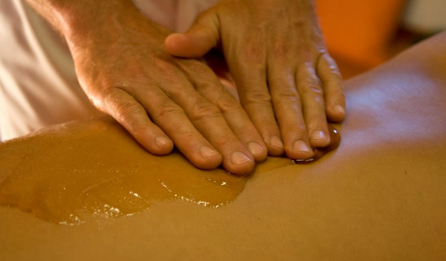 Медовый массаж – живительная сила природы