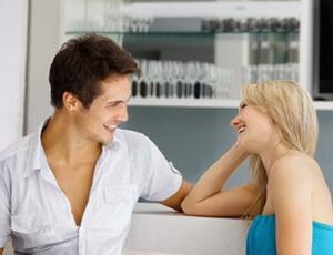 Почему парни смотрят на других девушек