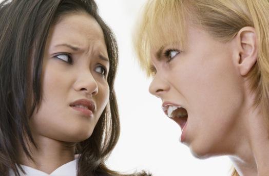 Как правильно реагировать на оскорбления и ругань