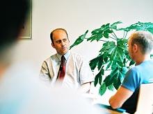 Российских медиков могут направить на психологические тренинги