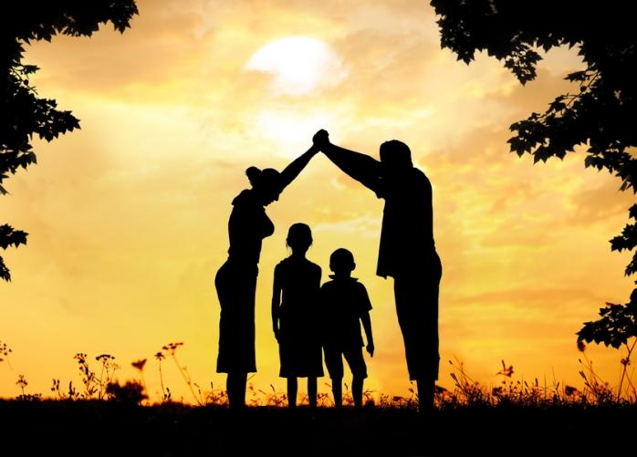 Психологический обман: 5 чувств родителей, которые притворяются любовью