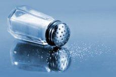 Стресс заставляет людей есть больше солёного
