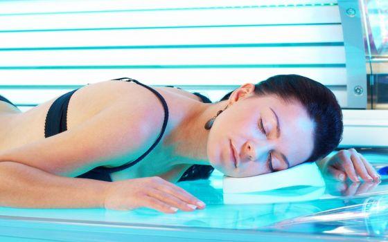 Ученые признали посещение солярия психическим отклонением
