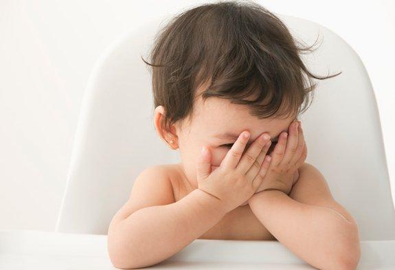 Младенцы хорошо запоминают положительные эмоции
