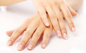 Как правильно ухаживать за ногтями и кутикулами