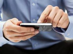 Названы признаки зависимости от смартфона
