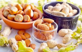 Орехи вместо антидепрессантов и сладостей