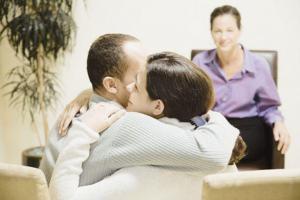 Послеродовая депрессия: роль психолога и практические советы