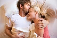 Почему мужчины и женщины любят обниматься