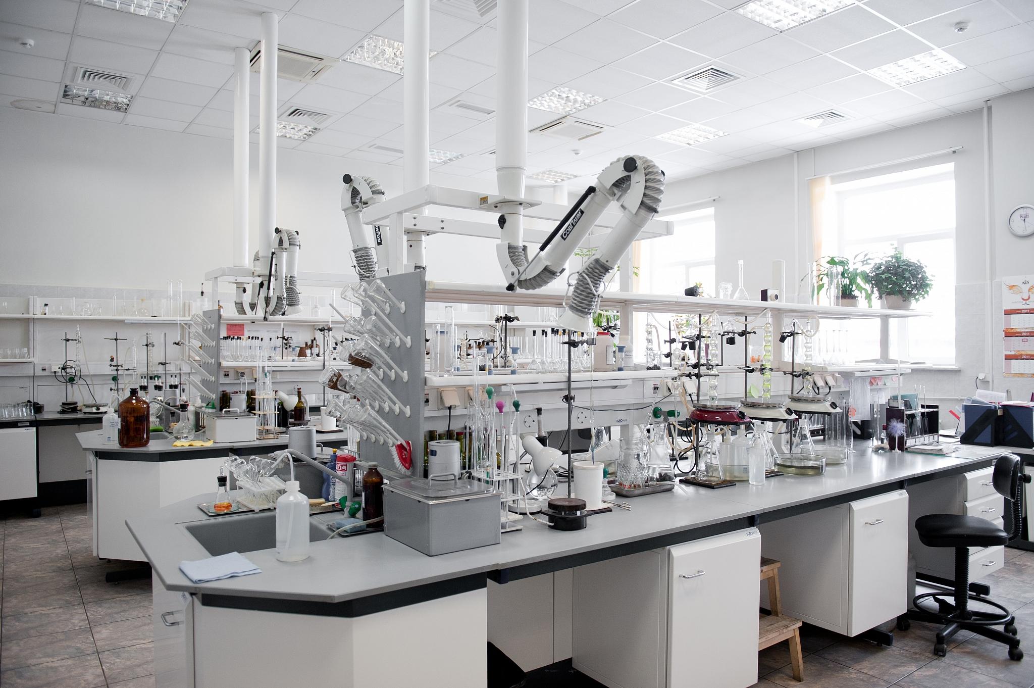 Комплексная и детально проведенная аккредитация лабораторий, с получением разрешения на проведение опытов