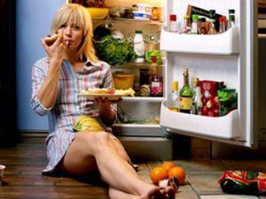 Диетологи рассказали, что можно есть во время стресса