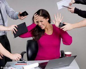 Стрессы на работе активизируют процессы старения организма