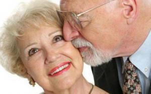 Одинокие люди не более подвержены психологическим проблемам, чем люди в парах