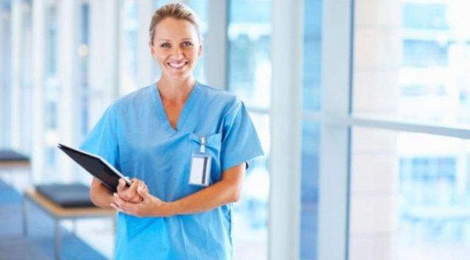 В больницы хотят пустить медсестер в состоянии маразма
