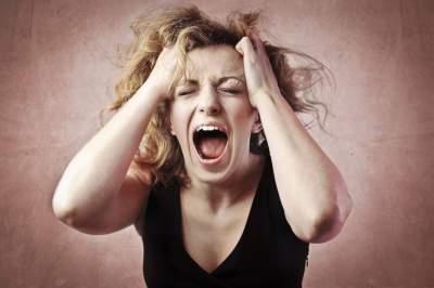 Советы мужчинам: как себя вести во время женской истерики