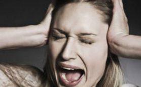 Регулярный макияж может привести к психозу
