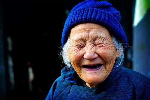 Смех может помочь увеличить шансы на успех при ЭКО