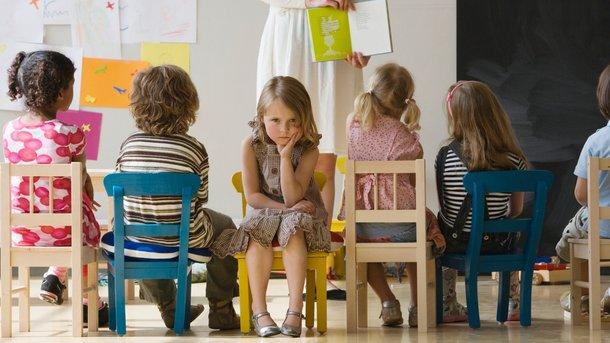 Как подготовить малыша к садику: психологи раскрыли способы решения самых частых проблемных ситуаций