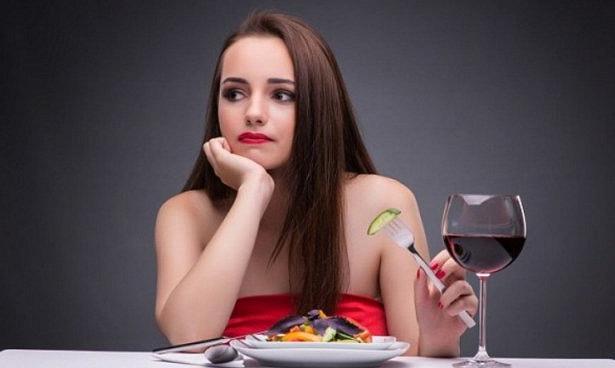 Ученые: привычка «запивать» стресс алкоголем опасна
