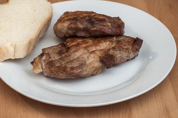 Употребление в пищу мяса провоцирует депрессию