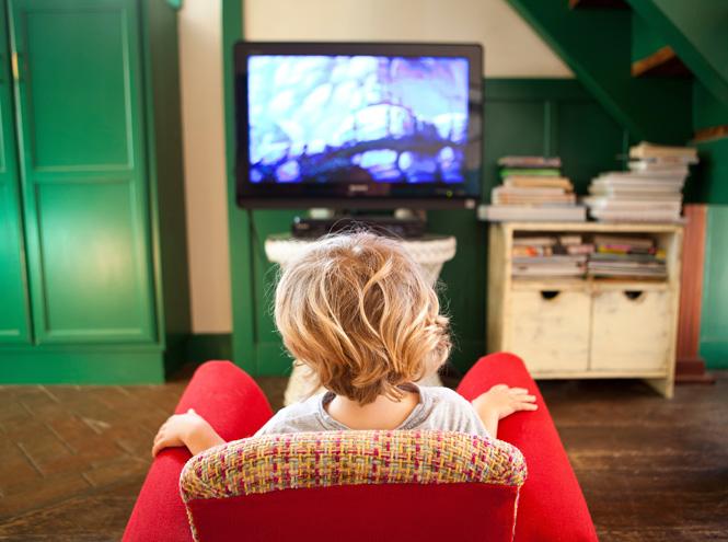 Психиатры назвали главную опасность просмотра телевизора