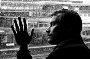 Жизнь в безумном ритме. Как понять, что уже пора к психиатру?