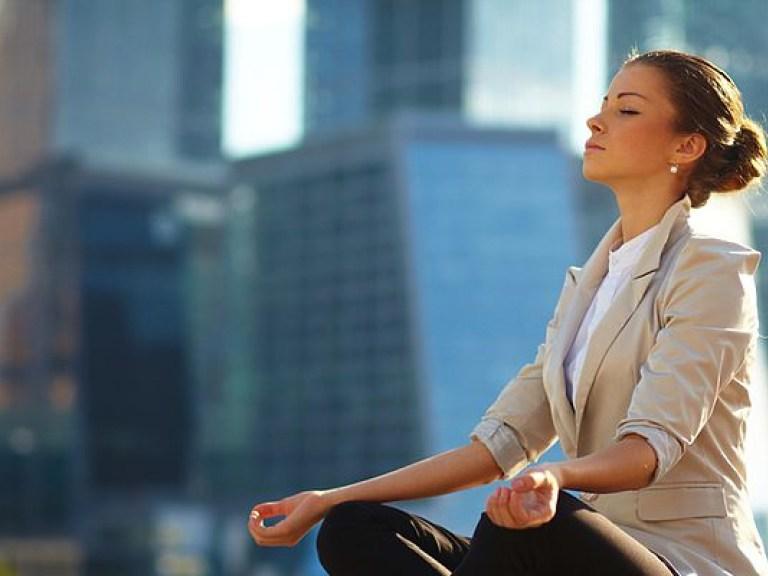 Депрессия и повышенная утомляемость могут быть вызваны нехваткой свежего воздуха — врач
