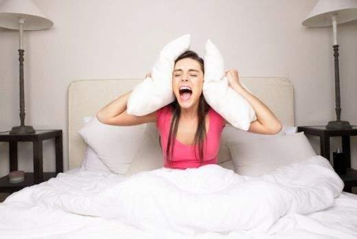 Как шумные соседи могут разрушить психику
