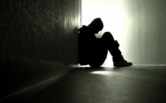 Что делать человеку, если его одолевают суицидальные мысли?