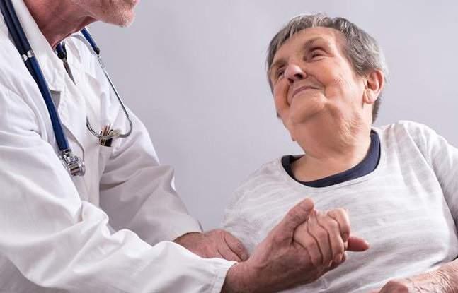 Медики рассказали, как предупредить болезнь Альцгеймера