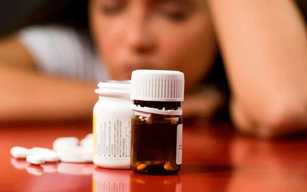 Так ли безопасны антидепрессанты и обезболивающие