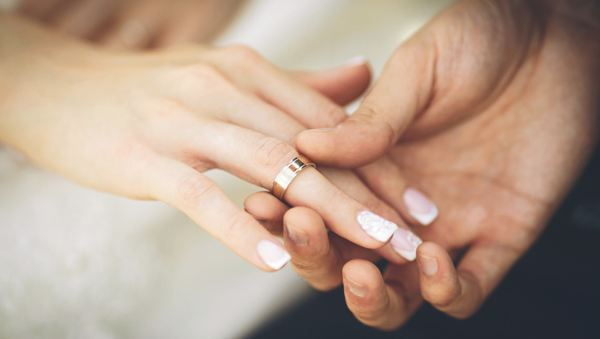 На каких пальцах лучше носить кольца?