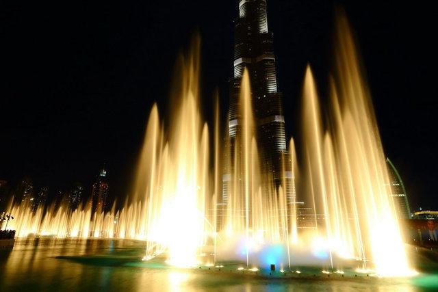 Великолепный Дубай. Стихия как искусство – танцующие фонтаны