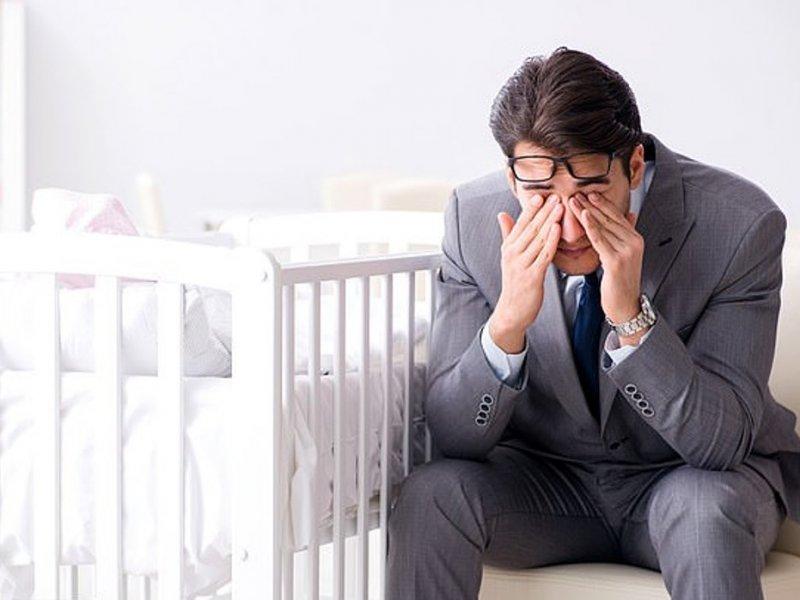 Послеродовая депрессия бьет по отцам и их дочерям