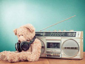 Стали злее и печальнее: так изменились тексты песен