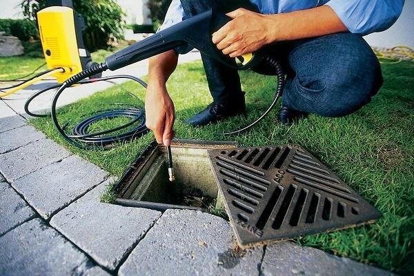 Засорения канализации и способы ее прочистки