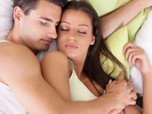 Какую пользу здоровый сон приносит отношениям