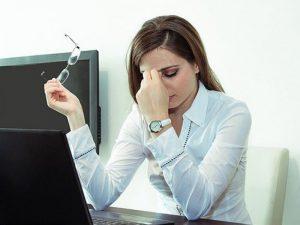 Сверхурочные вызывают депрессию у женщин, но не у мужчин